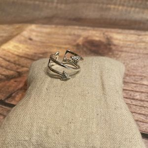 Stella & Dot Winding Arrow Ring
